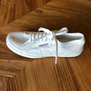 SUPERGA WORN ONCE WHITE CANVAS SNEAKERS WOMENS 9.5
